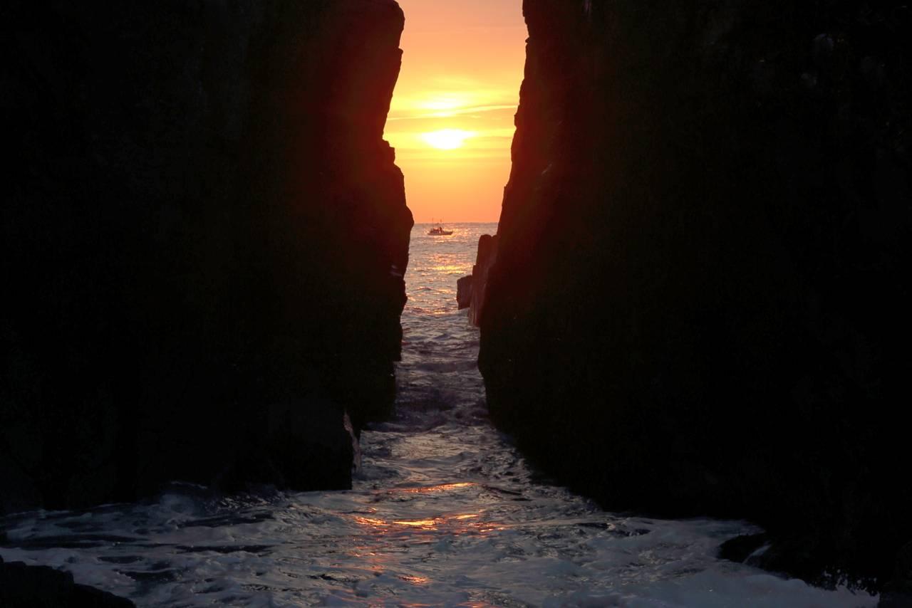 神割崎の朝日はとても幻想的