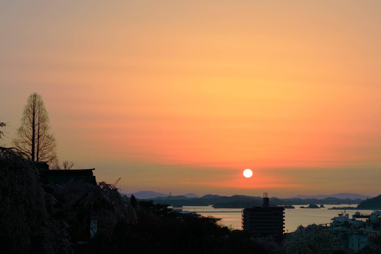 塩竈神社からみた朝日